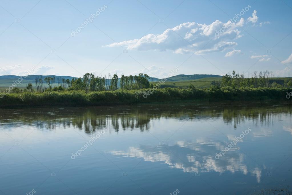 内蒙古自治区爾でアルグン川 — ...