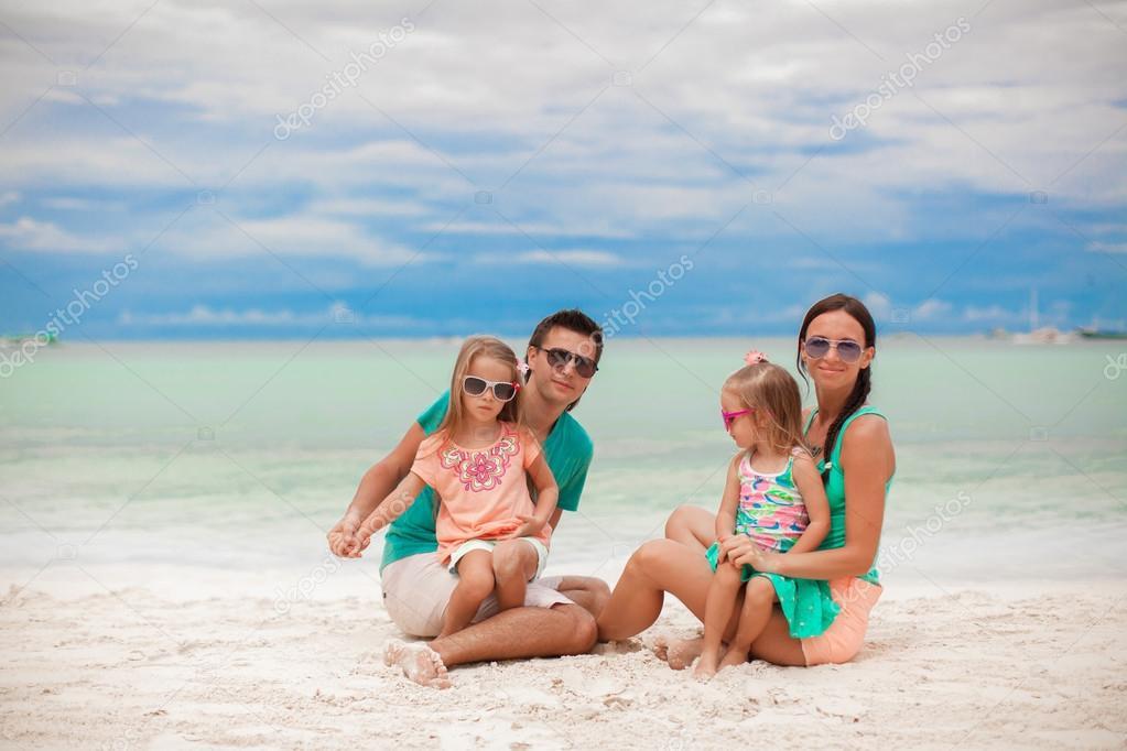 Сдвумя на пляже фото 258-32