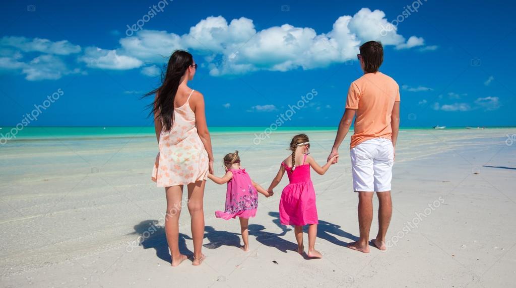 Сдвумя на пляже фото 258-469