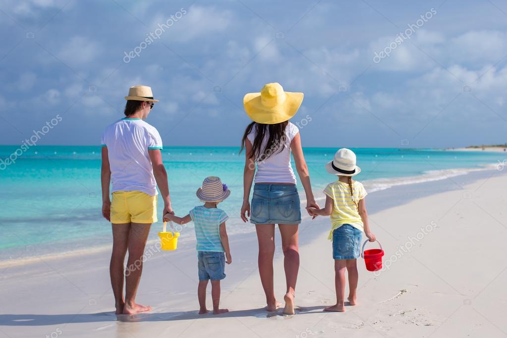 Сдвумя на пляже фото 291-208