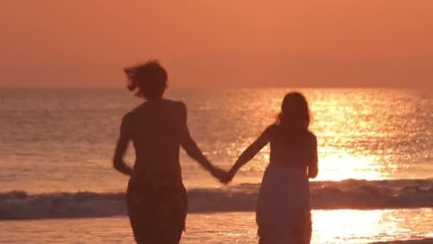 szerelmesek strand sunset