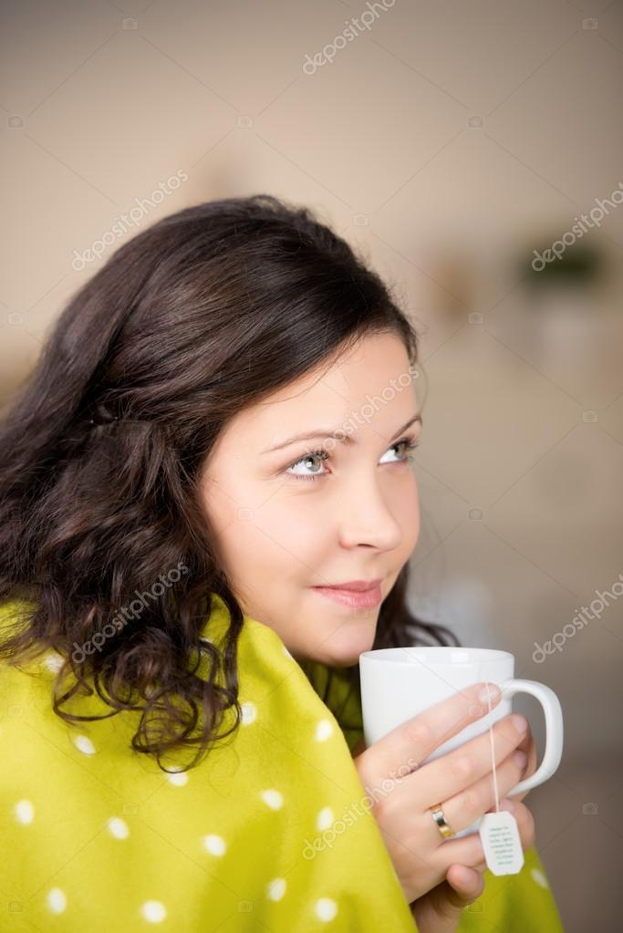 греется чаем