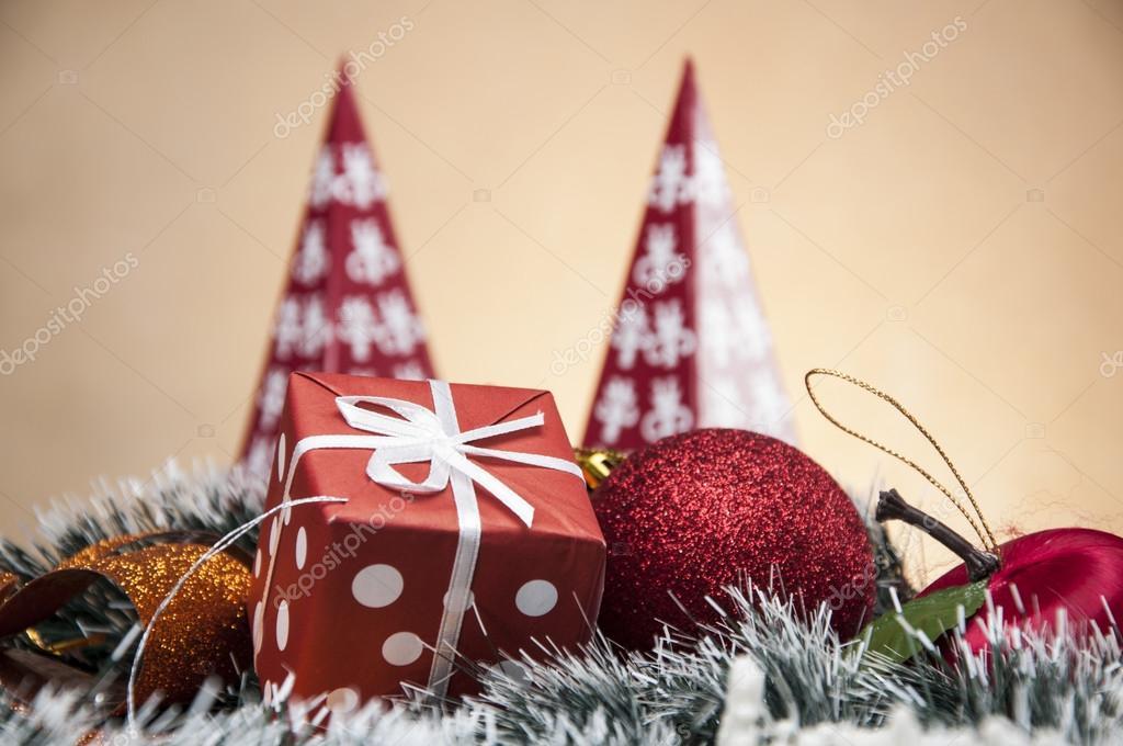 Decorazioni Luminose Natalizie : Decorazioni natalizie luminose con roba di natale u2014 foto stock