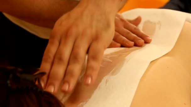Frau genießen Professional wieder massage
