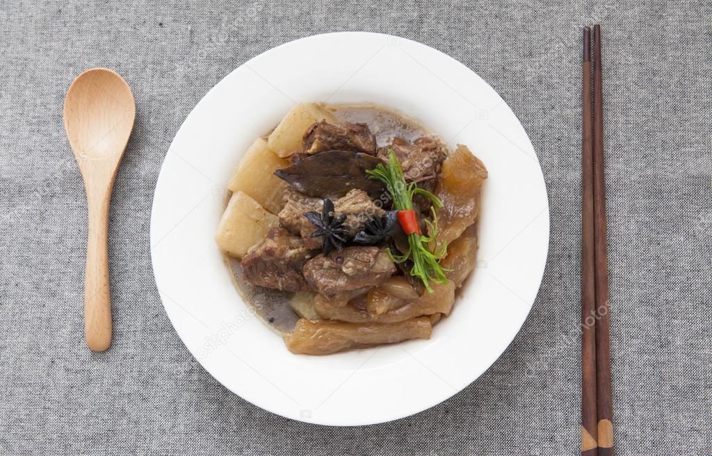 Chinesische Küche, Rindergulasch und Rindfleisch sehnen — Stockfoto ...