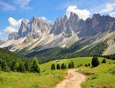 Turistická cesta v Alpách