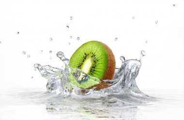 kiwi splashing into clear water