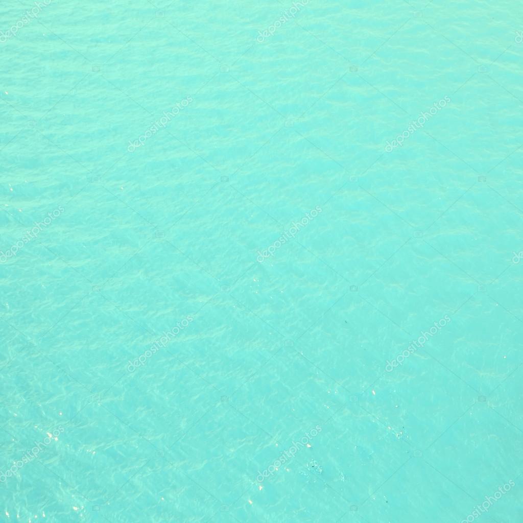 Telefonino cellulare finito in acqua di mare. Cosa fare ...