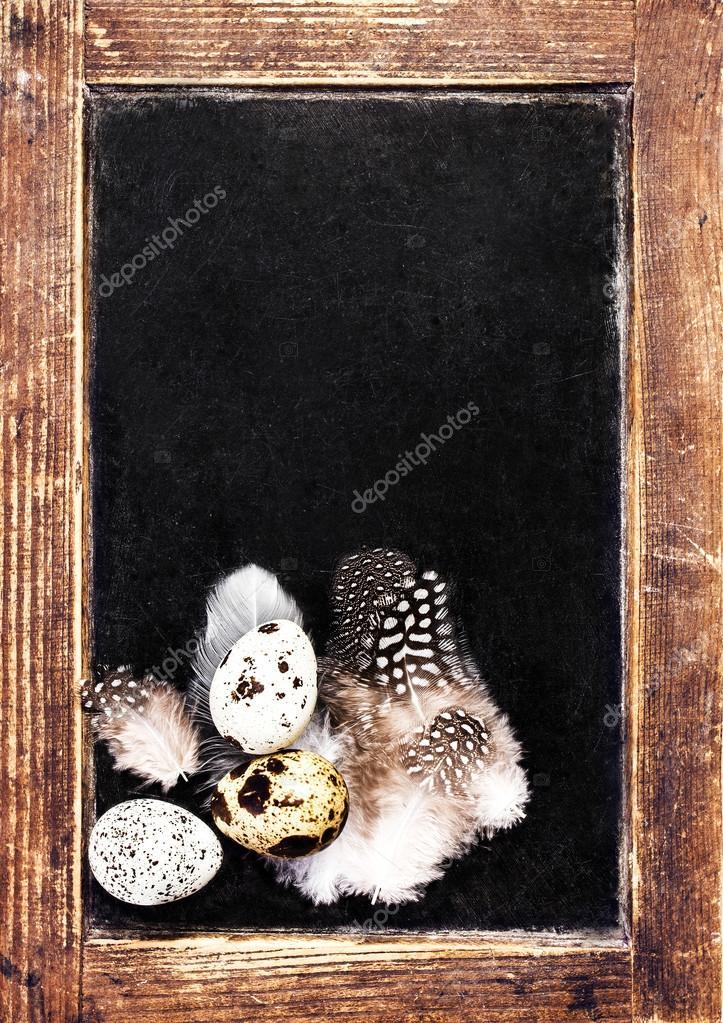 Vintage leer aus Holz gerahmten Tafel mit Wachteleier — Stockfoto ...