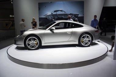 Porche 911 Carrera S side view