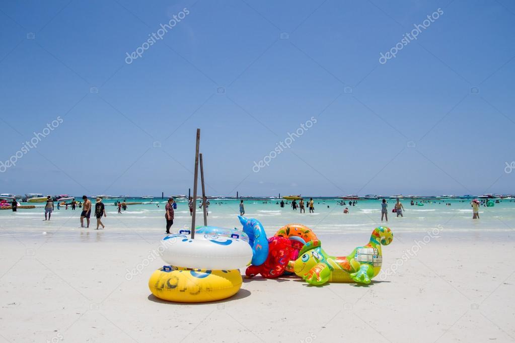 Beach Island Koh Larn Pattaya
