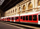 Fényképek budapest-keleti, a vasútállomás, a Magyarországon állomásozó személyszállító vonatok