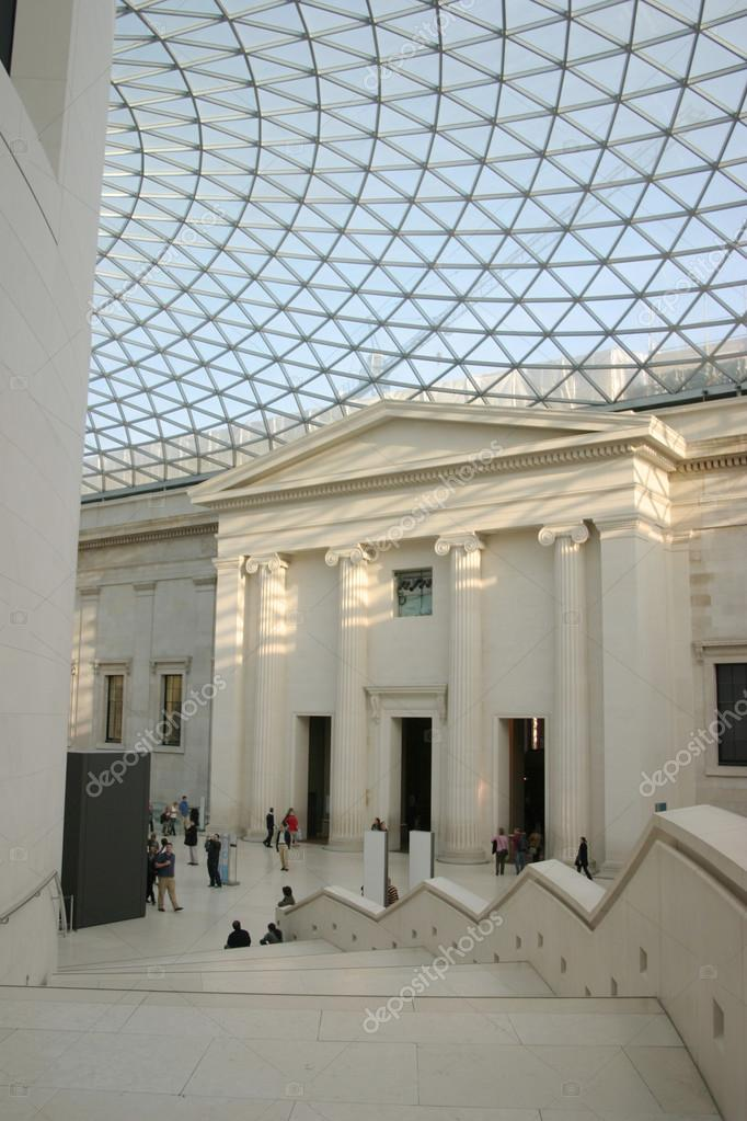 Tetto di vetro sull 39 atrio del museo britannico a londra for Tetto in vetro prezzi
