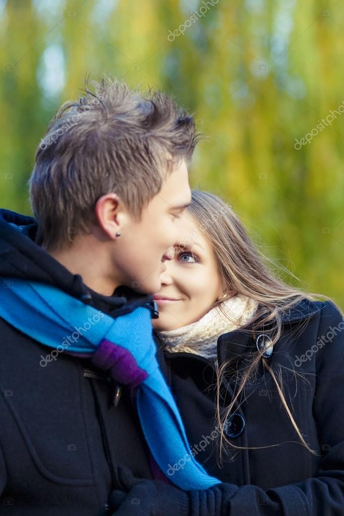 Девушки эротические частные фотографии молодой пары надувным
