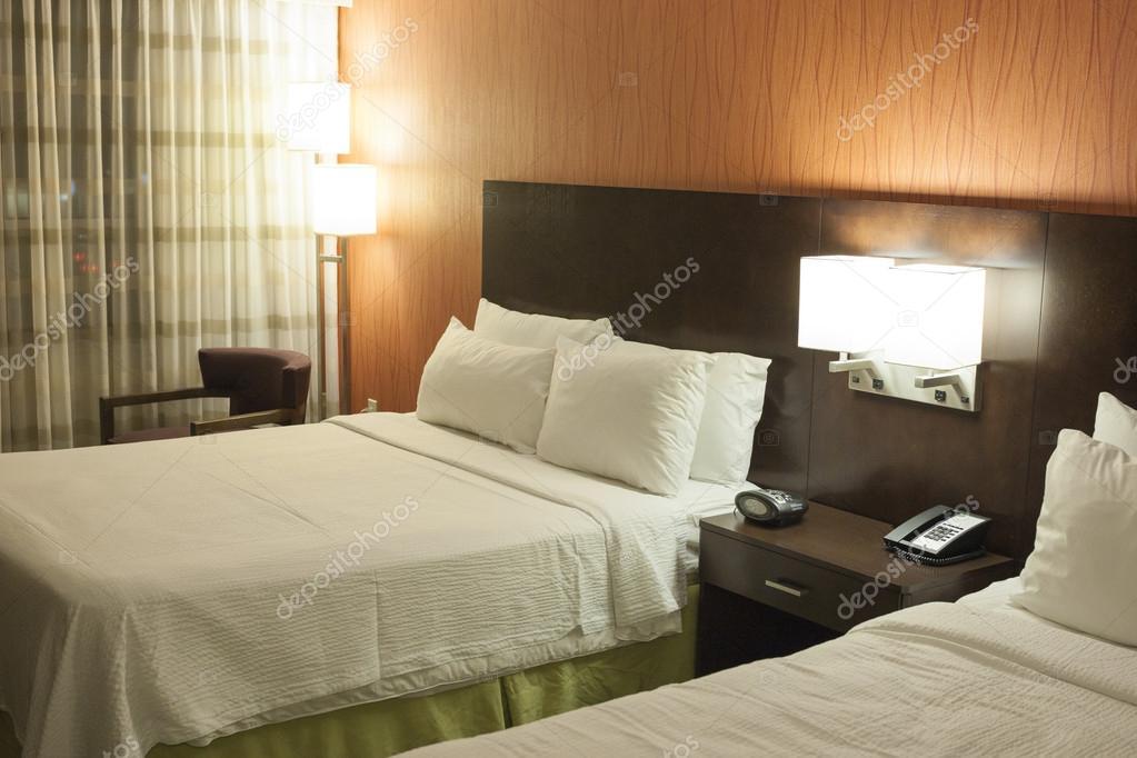 Camera da letto stile moderno — Foto Stock © dimamorgan12 #43116385