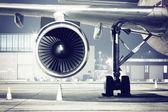 letadla turbína detail