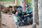 paintball hráč vleže