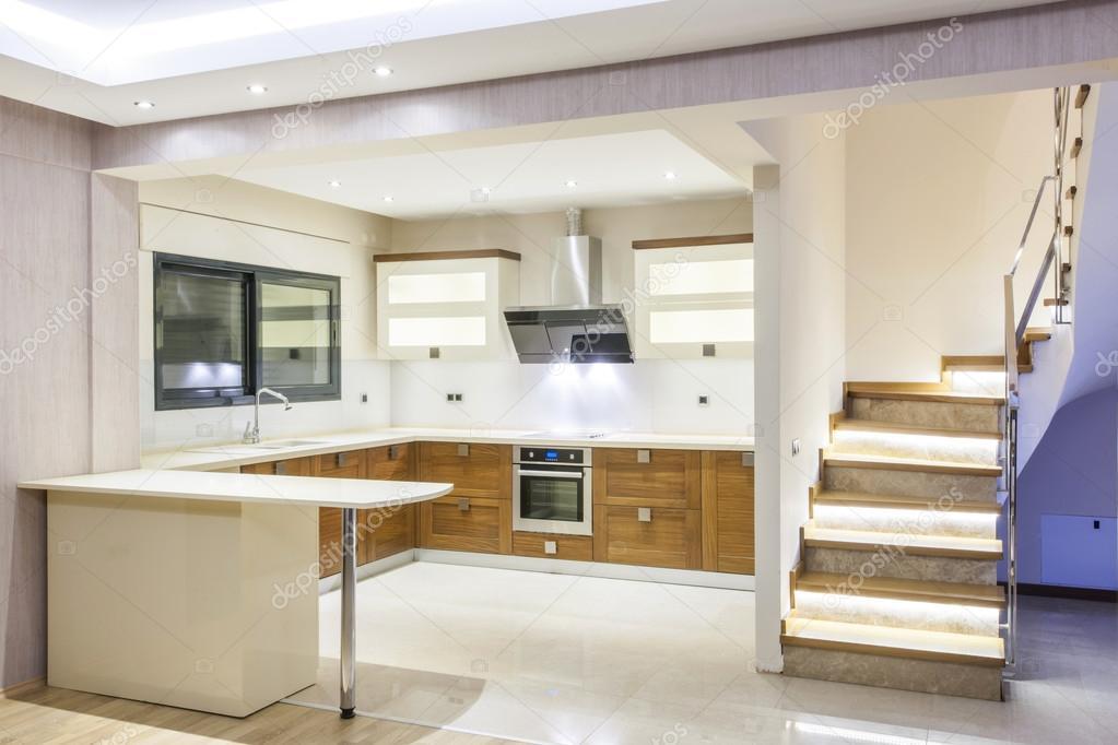 heldere, moderne keuken — Stockfoto © kokal #48481993