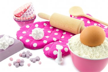 Decorating cup cakes