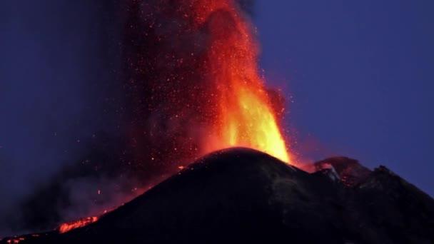 eruzione etna 2013