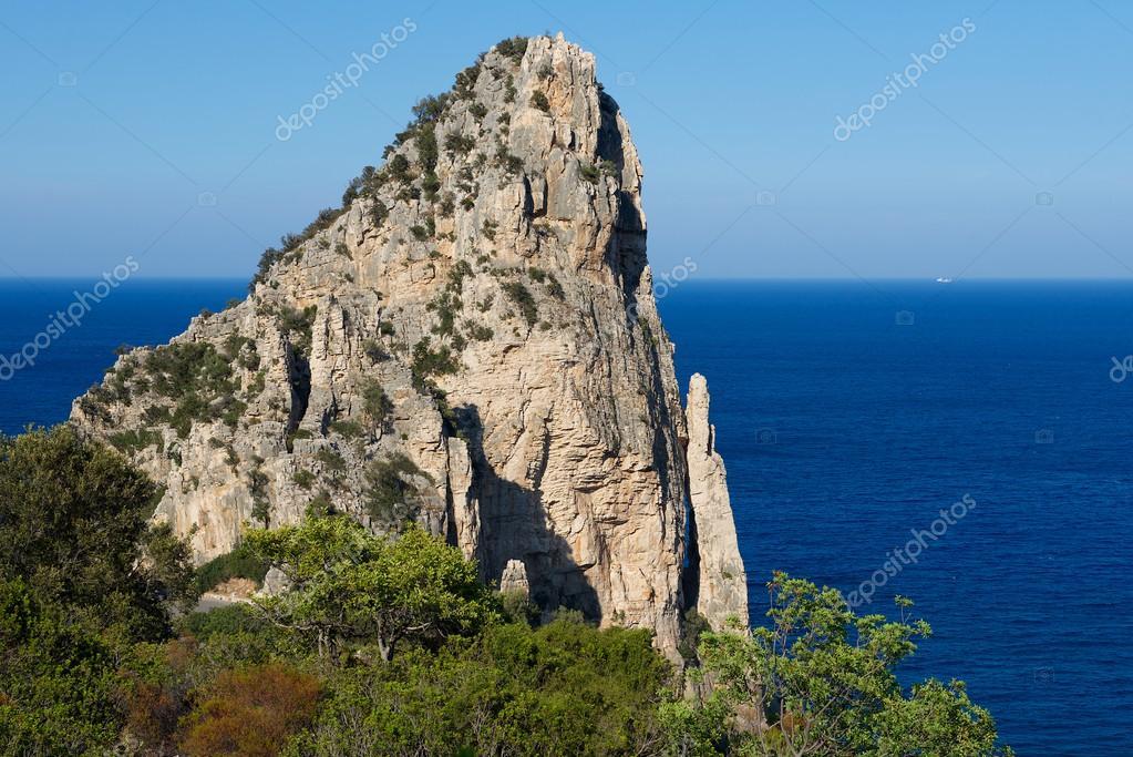 Formazione Rocciosa In Sardegna Lunga Italypedra In Sardinia