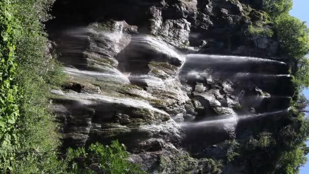 panoramatický záběr od vodopádu v národním parku Plitvická