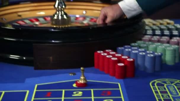 Casino dělník na ruletě
