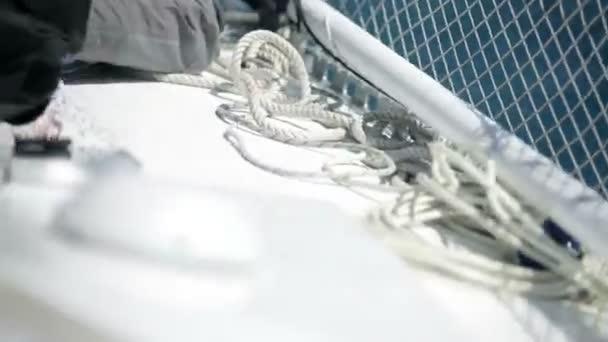 námořník na plachetnici se připravovat na soutěž