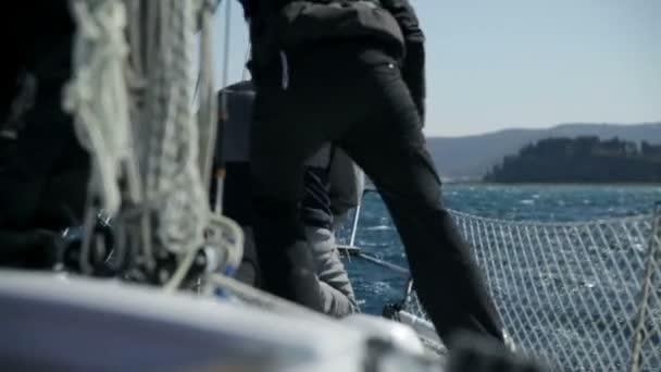 Podrobnosti o přípravu pro plavbu na slunečný den