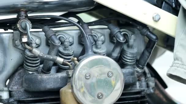 písty motoru retro motocykl pohybující