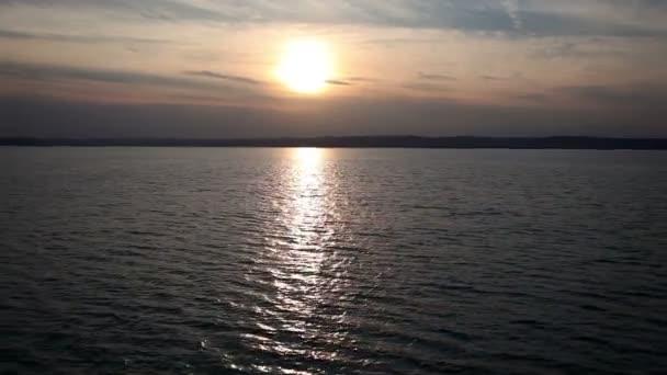 utazás a balaton napnyugtakor, Magyarország