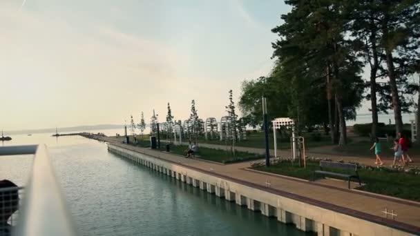 utazás hajóval a balaton Park Magyarországon
