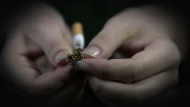 široký otvor cigaretu
