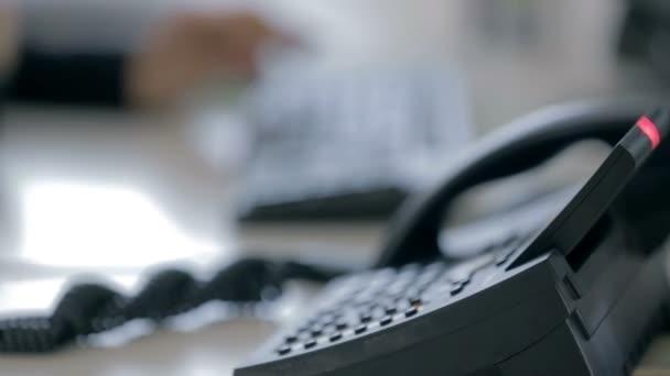 operátor vkládání dat do tabulky