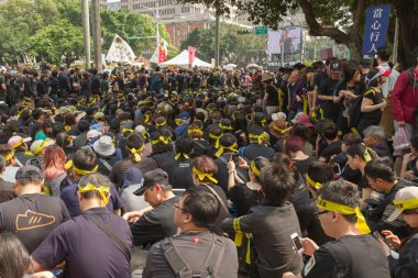 TAIPEI, TAIWAN, March 30 2014. Hundreds of thousands of people p
