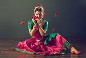 Fényképek indiai táncos