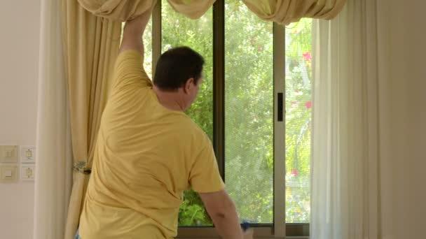 vynikající čistič oken