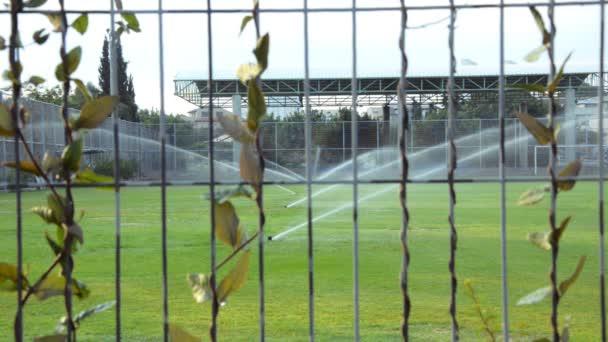 Stadion-Bewässerungssystem funktioniert