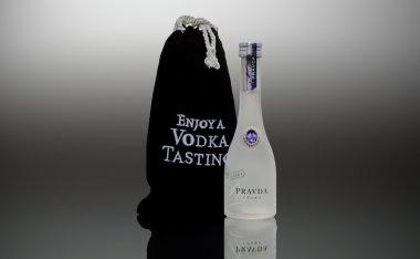 Vodka Pravda bottle miniature 50ml
