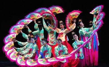Female performer of traditional Korean dance