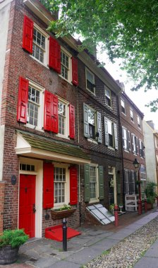 The oldest street in the USA- Elfreth's Alley in Philadelphia in the sunlight