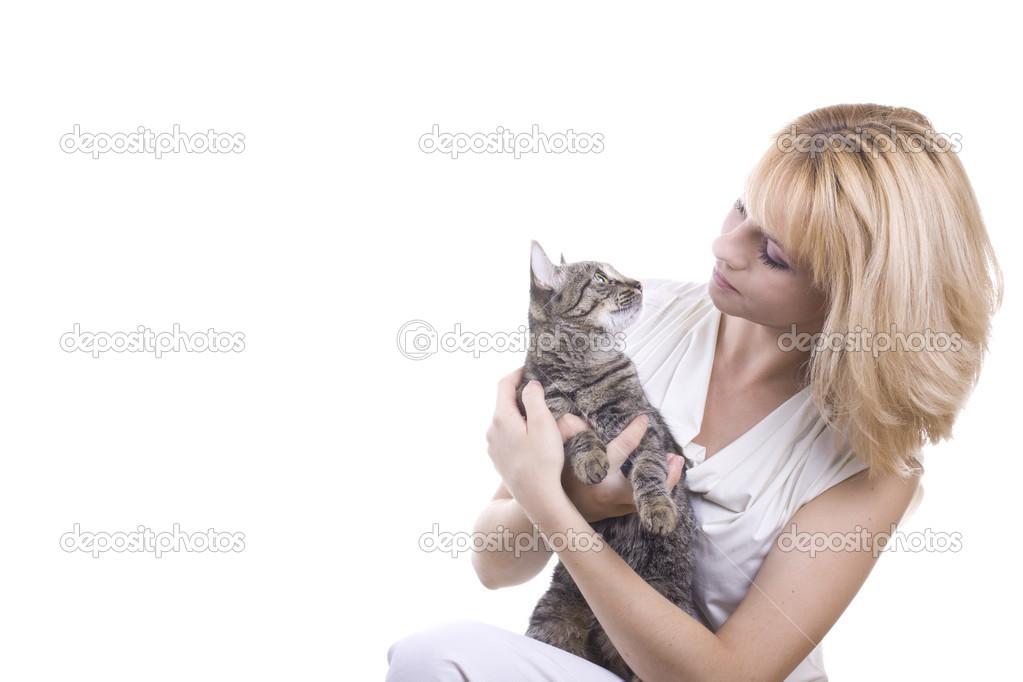 Серый кот и девушка
