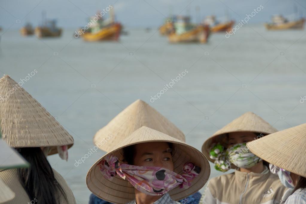 тот факт, выкройка шляпа нон вьетнамцев фото создания стильной прически