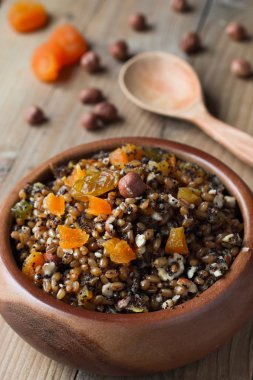 Wheat kutia with nuts and dried fruits