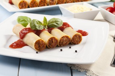 cannelloni on plate