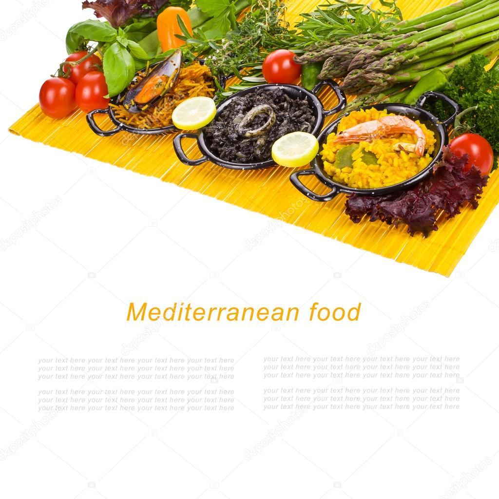 Spanska medelhavet mat svart ris paella nudlar i en for Stock cuisine saint priest