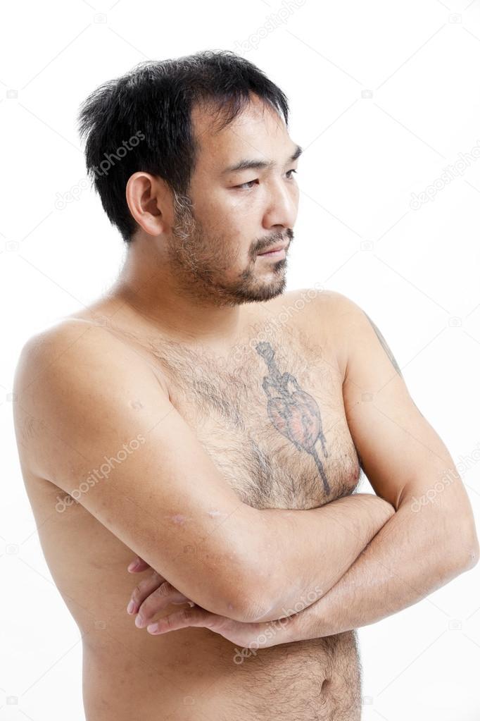 два азиата с волосатыми пытаетесь
