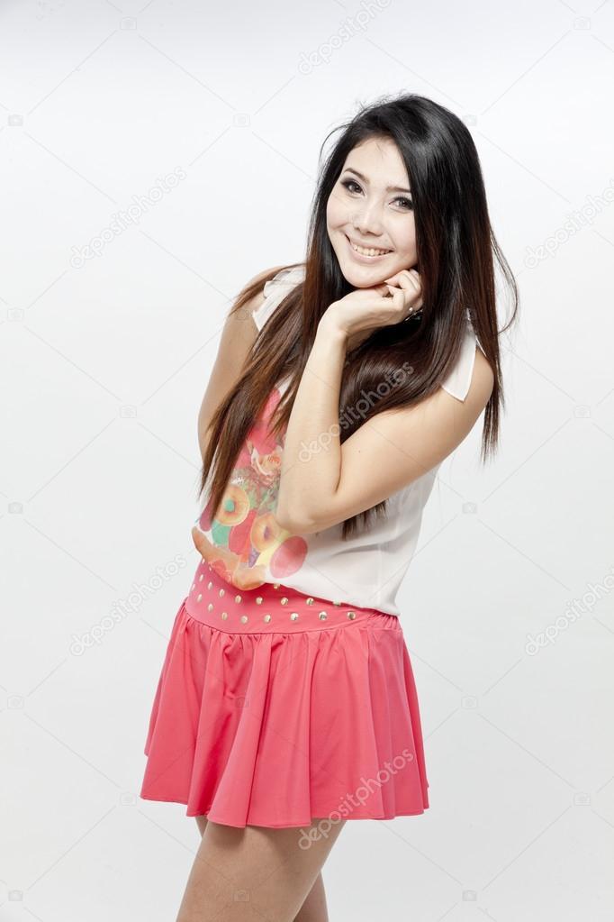 belle femme asiatique se pr sentant photographie appleeyesstudio 28672927. Black Bedroom Furniture Sets. Home Design Ideas