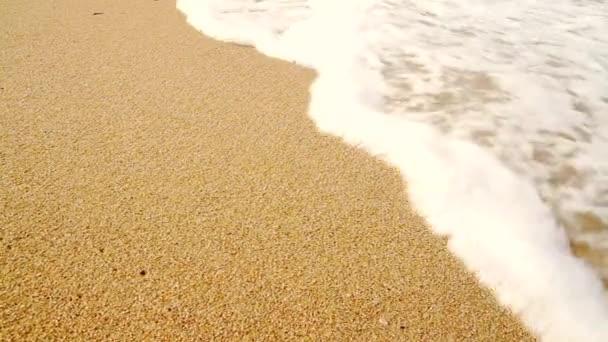 Tengeri hullámok a Homokos part felett