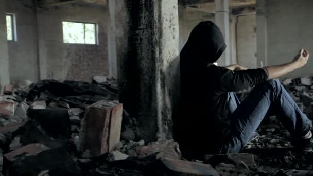 Elhagyott épület Hd-rabja elszabadult ifjúsági